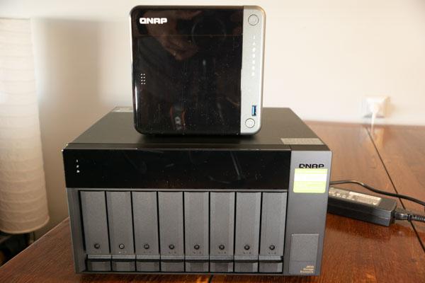 QNAP TS-453D & TL-D800C Review